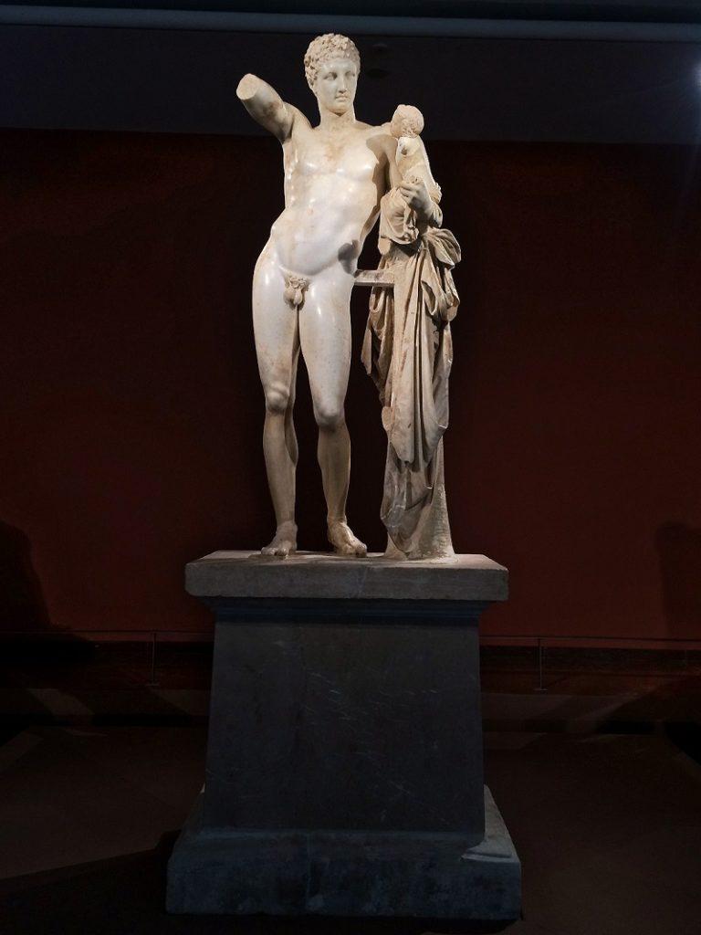 Hermes de Praxíteles.