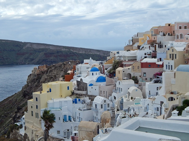 Casas brancas em Oia, Santorini.
