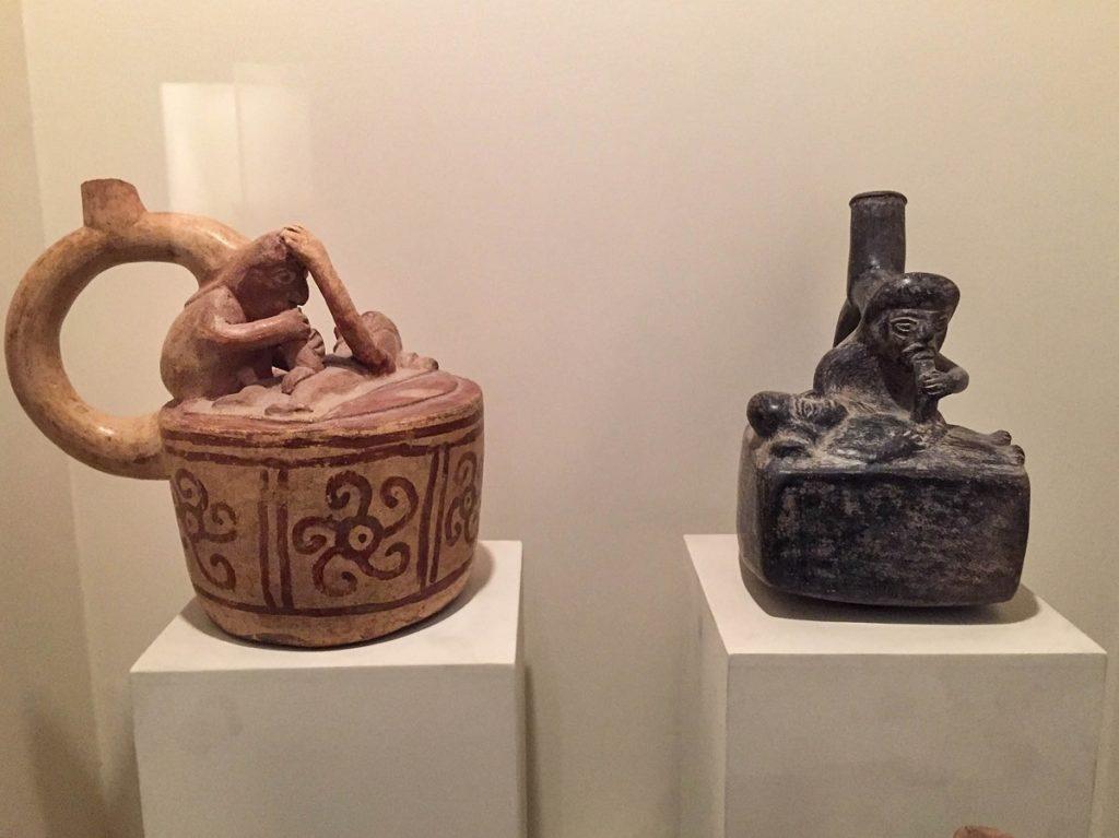 cerâmicas eróticas no museu Larco