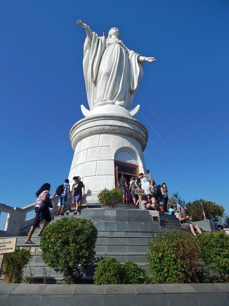 Santuário da Imaculada Conceição, no topo do Cerro San Cristóbal.