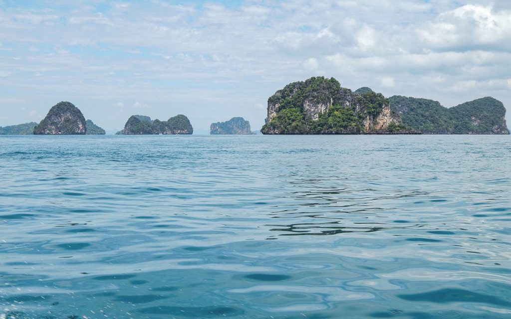 Mar de Andaman, na Tailândia.
