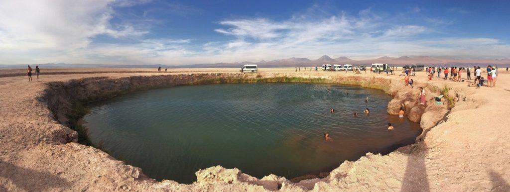 Ojos del Salar, no Atacama.