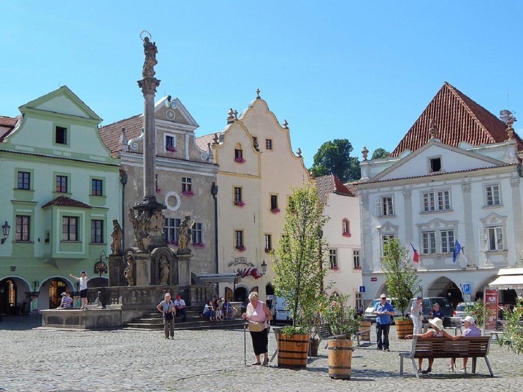 Praça central de Cesky Krumlov.