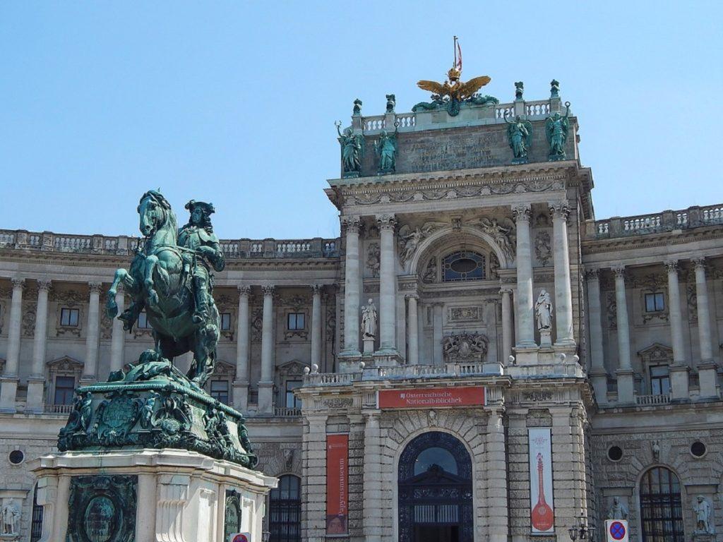 Viena em quatro dias.