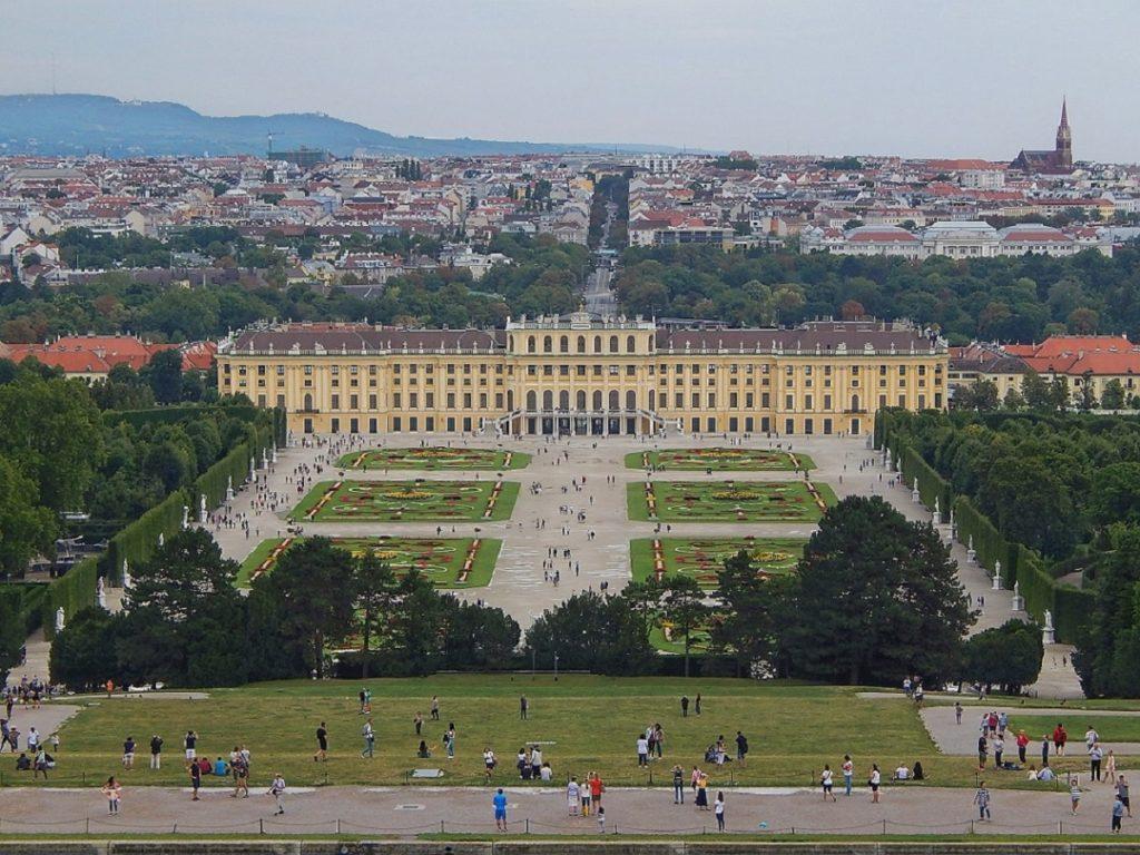 Schönbrunn.