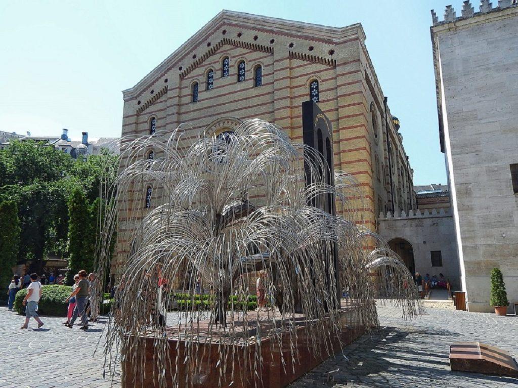Árvore da Vida na Sinagoga de Budapeste.